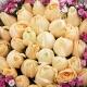 晴朗心情-33枝香槟玫瑰,搭配相思梅时尚花束