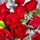 浪漫爱情-11枝红玫瑰,搭配情人草、小尤加利、巴西叶