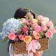 祝福您-1朵蓝色绣球花、12枝粉玫瑰、4枝香槟玫瑰、4朵粉康,搭配尤加利,相思梅