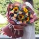 一路相伴-12枝香槟玫瑰、4朵向日葵,搭配尤加利叶、红豆